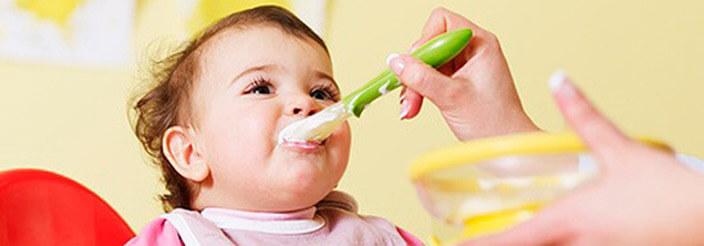 puedo dar papilla a mi bebe de 3 meses