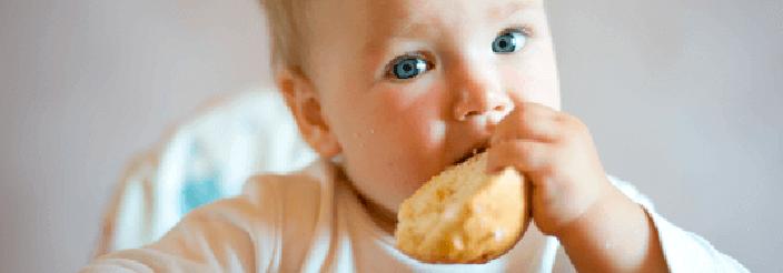 Alimentación para un lactante de alto riesgo alérgico
