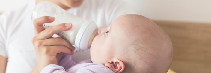¿Qué es el reflujo en bebés?