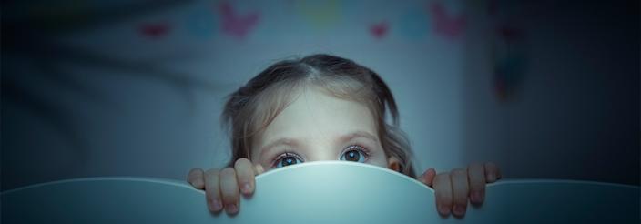 ¿Por qué temen los niños la oscuridad?