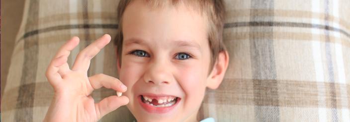 ¿Qué hacer si no se le caen los dientes de leche?