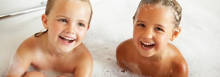 ¿Cuándo y cómo debe empezar a bañarse solo?