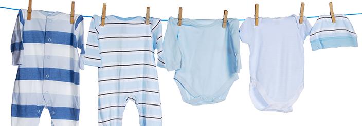 ¿Hay que lavar la ropa del bebé de manera especial?